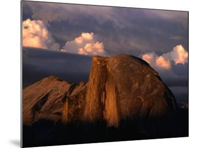 Half Dome in Yosemite National Park, Yosemite National Park, USA-Kraig Lieb-Mounted Photographic Print