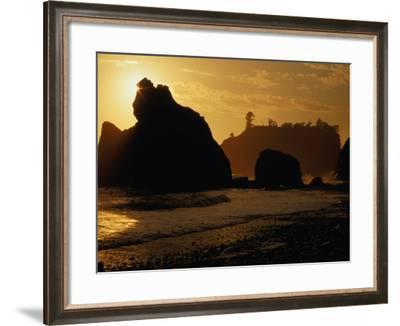 Ruby Beach at Sunset, Olympic National Park, USA-Nicholas Pavloff-Framed Photographic Print