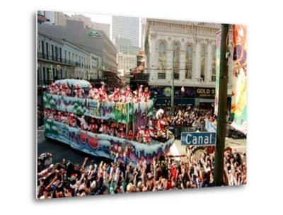 Mardi Gras Revellers Greet a Float from the Zulu Parade--Metal Print