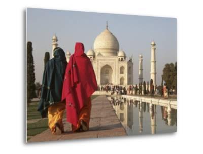 Women at Taj Mahal on River Yamuna, India-Claudia Adams-Metal Print