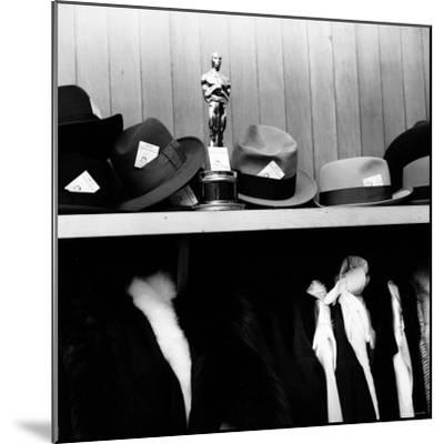 "Oscar Awarded to Producer Buddy Adler for the Film ""Here to Eternity""-Ed Clark-Mounted Photographic Print"