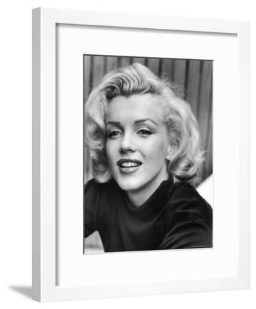 Actress Marilyn Monroe at Home-Alfred Eisenstaedt-Framed Premium Photographic Print