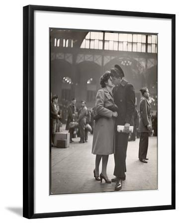 Sailor Kissing His Girlfriend Goodbye before Returning to Duty, Pennsylvania Station-Alfred Eisenstaedt-Framed Photographic Print