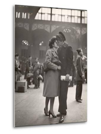 Sailor Kissing His Girlfriend Goodbye before Returning to Duty, Pennsylvania Station-Alfred Eisenstaedt-Metal Print