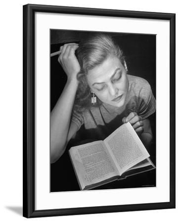 Dancer Valerie Bettis interprets William Faulkner's Novel as I Lay Dying into ballet-Nina Leen-Framed Premium Photographic Print