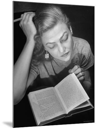 Dancer Valerie Bettis interprets William Faulkner's Novel as I Lay Dying into ballet-Nina Leen-Mounted Premium Photographic Print