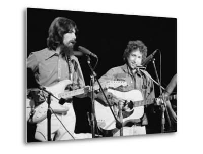 George Harrison and Bob Dylan during the Concert for Bangladesh at Madison Square Garden-Bill Ray-Metal Print