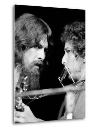 George Harrison and Bob Dylan Performing Together at Rock Concert Benefiting Bangladesh-Bill Ray-Metal Print