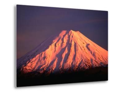 Mt. Ngauruhoe Illuminated in Sunlight, Tongariro National Park, Manawatu-Wanganui, New Zealand-David Wall-Metal Print