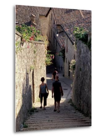 Steep Alleyway, Gubbio, Umbria, Italy-Inger Hogstrom-Metal Print