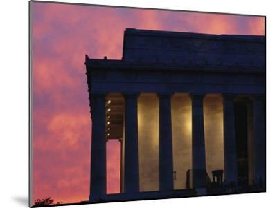 A Pink Sky Above the Lincoln Memorial--Mounted Photographic Print