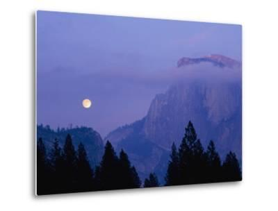 The Moon Rises over Half Dome in Yosemite National Park-Marc Moritsch-Metal Print