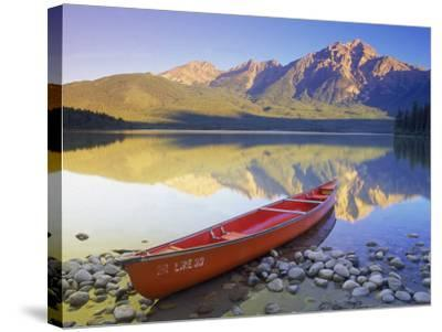 Canoe on Pyramid Lake-Kevin Law-Stretched Canvas Print