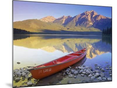 Canoe on Pyramid Lake-Kevin Law-Mounted Photographic Print