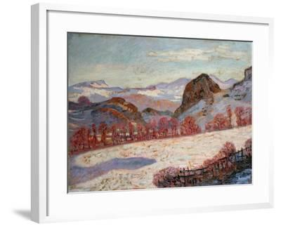 St. Sauves D'Auvergne, c.1900-Armand Guillaumin-Framed Giclee Print