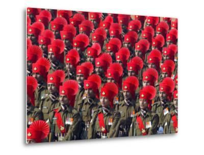 Security Personnel March at the Republic Day Parade in New Delhi, India, Friday, January 26, 2007-Mustafa Quraishi-Metal Print