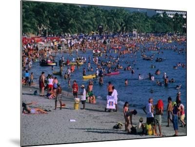 Beachgoers at El Rodadero in Seaside Suburb of Santa Marta During Holiday Season, Colombia-Krzysztof Dydynski-Mounted Photographic Print