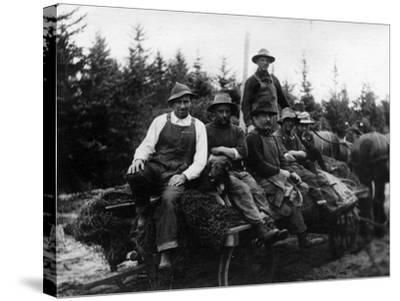 Chinook, WA - Logging Crew-Lantern Press-Stretched Canvas Print