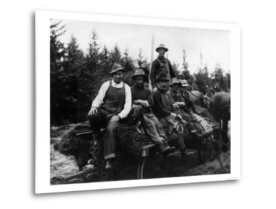 Chinook, WA - Logging Crew-Lantern Press-Metal Print