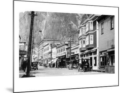 Juneau, Alaska - View of Franklin Street-Lantern Press-Mounted Art Print