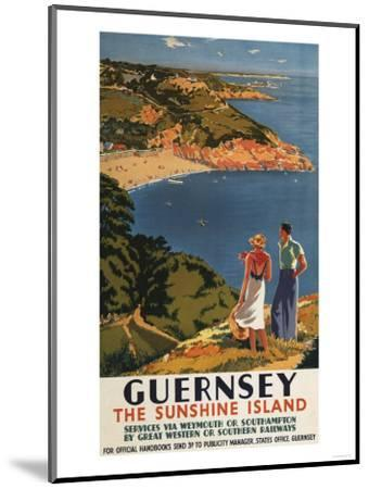 Guernsey, England - Southern/Great Western Rail Couple on Cliff Poster-Lantern Press-Mounted Art Print