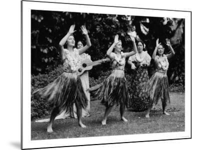 Hawaii - Hula Dancers Photograph-Lantern Press-Mounted Art Print