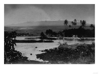 Hilo, Hawaii - View of the City Photograph-Lantern Press-Framed Art Print