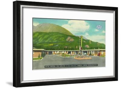 North Bend, Washington - Exterior View of the Mt. Si Motel-Lantern Press-Framed Art Print