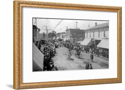 Lebanon, Oregon - View of a City Parade-Lantern Press-Framed Art Print
