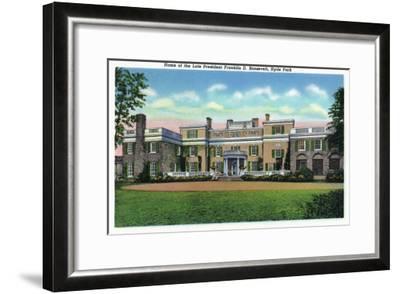 Poughkeepsie, New York - Hyde Park View of President FDR's Mansion-Lantern Press-Framed Art Print
