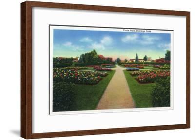 Portland, Maine - Deering Oaks Circle Park View-Lantern Press-Framed Art Print