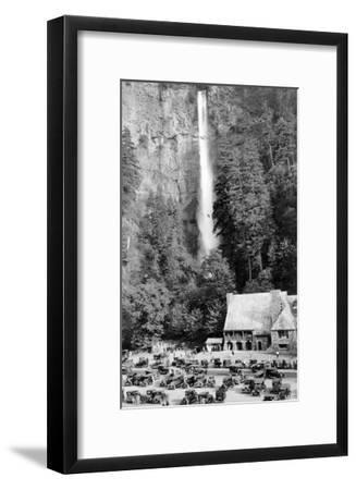 Multnomah Falls, Oregon - Exterior View of the Lodge and Falls, Parking Lot Filled-Lantern Press-Framed Art Print