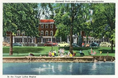Skaneateles, New York - Shotwell Park and Sherwood Inn Scene-Lantern Press-Stretched Canvas Print