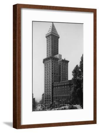 Seattle, WA - Smith Tower Building View and Street Scene-Lantern Press-Framed Art Print