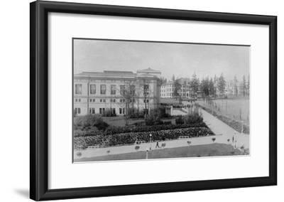 Seattle, WA - University of Washington Campus Photograph-Lantern Press-Framed Art Print