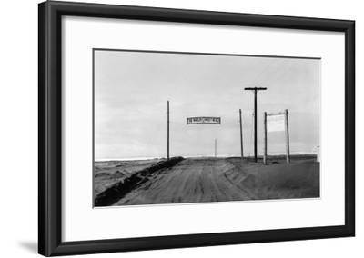 Dirt Road to Ocean Beach, Worlds Longest Beach - Long Beach, WA-Lantern Press-Framed Art Print