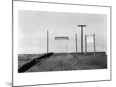 Dirt Road to Ocean Beach, Worlds Longest Beach - Long Beach, WA-Lantern Press-Mounted Art Print