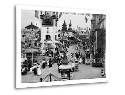 Luna Park and Rides at Coney Island, NY Photograph - Coney Island, NY-Lantern Press-Metal Print