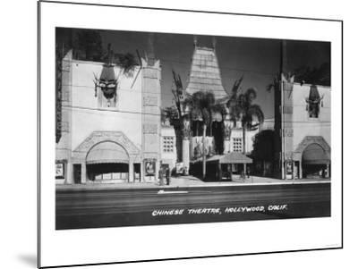 Hollywood, California Chinese Theatre View Photograph - Hollywood, CA-Lantern Press-Mounted Art Print