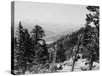 Longs Peaks and the Continental Divide Photograph - Colorado-Lantern Press-Stretched Canvas Print