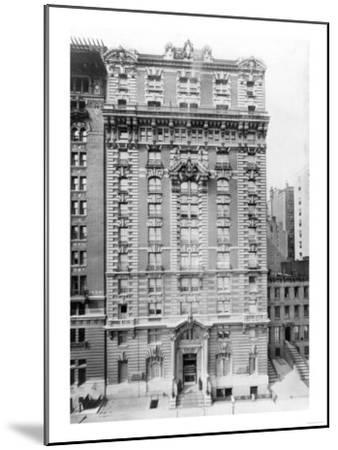 Hotel Seymour on West 45th Street NYC Photo - New York, NY-Lantern Press-Mounted Art Print