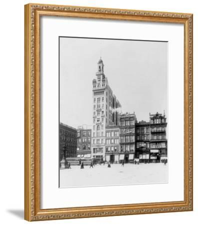 Decker Building Beyond Union Square NYC Photo - New York, NY-Lantern Press-Framed Art Print