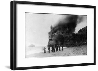 The Cliff House on Fire - San Francisco, CA-Lantern Press-Framed Art Print
