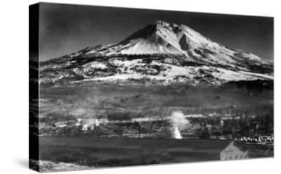 Mt. Shasta View from City - Weed, CA-Lantern Press-Stretched Canvas Print
