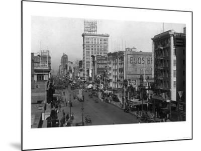 Street Scene, View of the Sterling - New York, NY-Lantern Press-Mounted Art Print