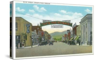 View of Main Street - Grants Pass, OR-Lantern Press-Stretched Canvas Print