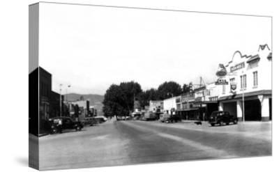 Street Sceve in Chelan, WA looking towards the lake Photograph - Chelan, WA-Lantern Press-Stretched Canvas Print