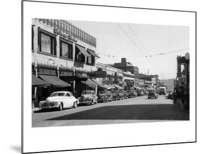 University Avenue in Seattle, Washington Photograph - Seattle, WA-Lantern Press-Mounted Art Print