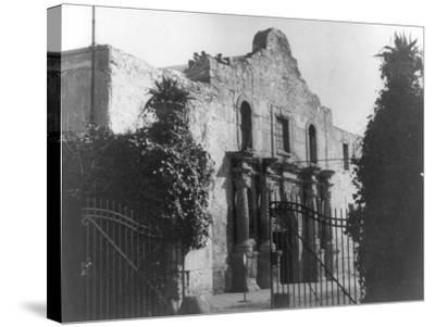 The Alamo in San Antonio, TX Photograph No.2 - San Antonio, TX-Lantern Press-Stretched Canvas Print