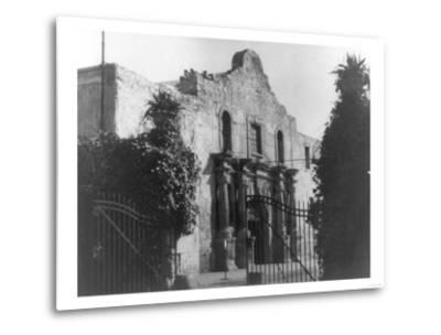 The Alamo in San Antonio, TX Photograph No.2 - San Antonio, TX-Lantern Press-Metal Print